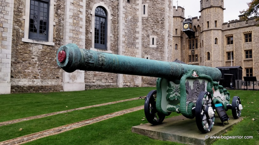 Bronze 25 Pounder Cannon