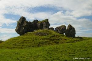 clonmacnoise_castle